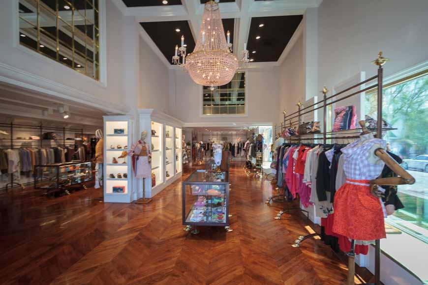 28ae708944 Vivienne Westwood | Iconic British Fashion Designer